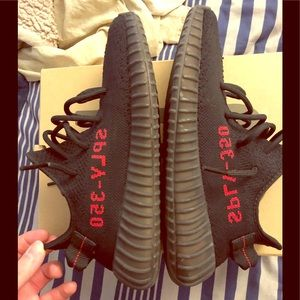 Adidas Yeezy 350 V2 Bred
